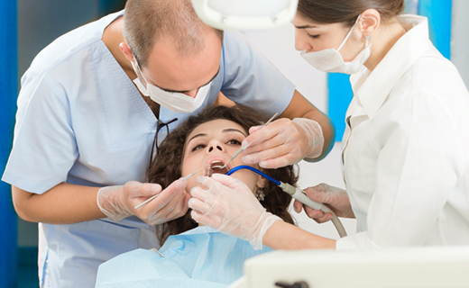 dca-blog_tooth-extraction-female-patient