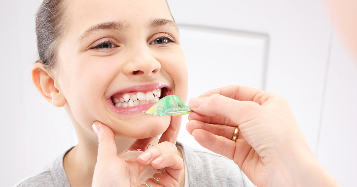 dca-blog_article-42_faq-pediatric-orthodontist_1200x630